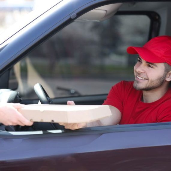 pizza delivery man, delivery driver safety tips